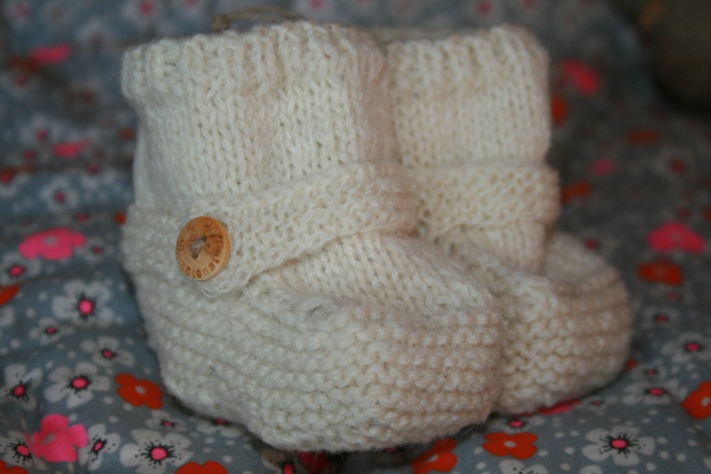 chaussons bébé écrus